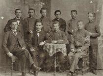 Pašalintieji iš Mintaujos gimnazijos, 1896 m. A. Smetona sėdi antras iš kairės